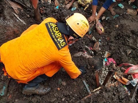 Afbeelding voor fragment: Aardverschuivingen Indonesië hebben impact op zo'n 30.000 mensenlevens