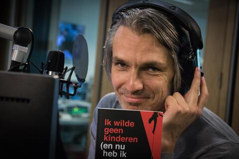 """Afbeelding voor fragment: Wim Oosterlinck: """"Laten we oorlog voeren. Alles liever dan een staking van de vuilnismannen, dat wil je niet meemaken"""""""