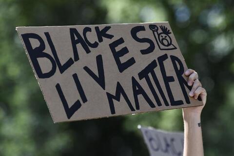 """Afbeelding voor fragment: Derek Chauvin schuldig bevonden in proces over dood van George Floyd: """"Een moment van hoop voor zwarte Amerikanen"""""""