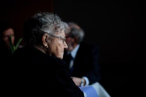 """Afbeelding voor fragment: """"Geestelijke gezondheidszorg voor ouderen hinkt al decennialang achterop"""""""