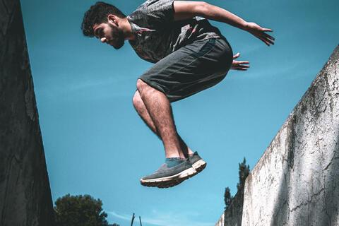 Afbeelding voor fragment: Freerunning steeds populairder onder jongeren