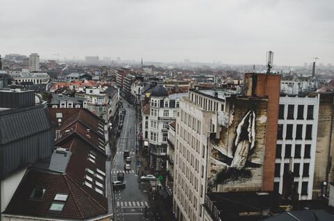 """Afbeelding voor fragment: Europese Dag van de Huisvesting: """"Bewustmaken van de moeilijke huisvestingsituatie in de grote steden"""""""