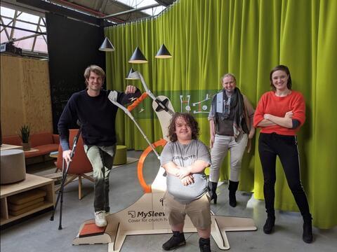 """Afbeelding voor fragment: Beloftevolle ondernemer Marie uit Kortrijk: """"Wij maken het simpeler om je bed op te maken"""""""