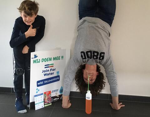"""Afbeelding voor fragment: 33 gezinnen uit Roeselare gaan de """"waterchallenge"""" aan"""